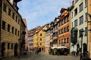 Straßenansicht der Altstadt in Nürnberg